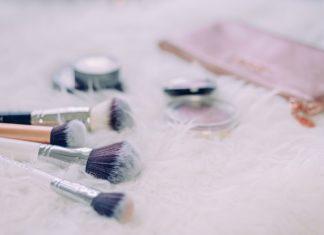 Jak wyczyścić pędzle do makijażu?