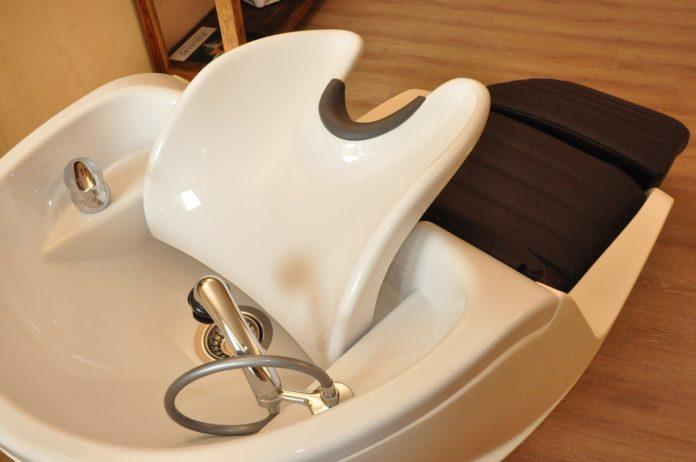 Jak zrobić domową maseczkę do włosów kręconych?