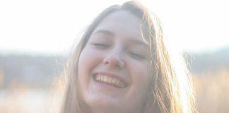 Jak uzyskać biały uśmiech domowymi sposobami?