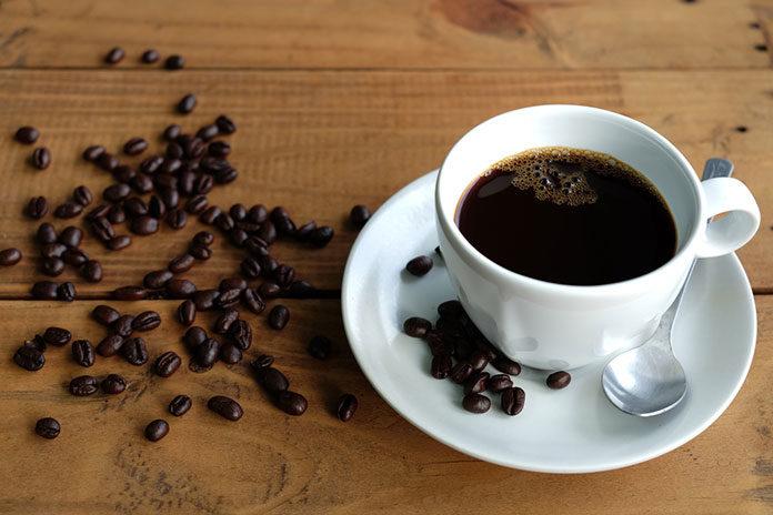 Kawa – dlaczego warto sięgnąć po czarny napój?