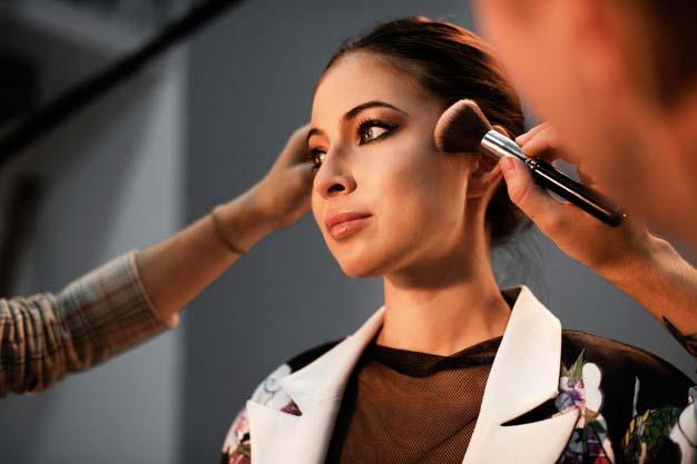 Dopracowany makijaż