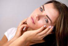 Domowe sposoby na zmęczone oczy są skuteczne